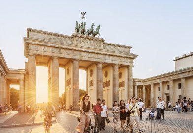 Cách book vé máy bay đi du lịch Đức